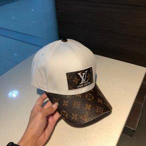 lv  duck tongue baseball hats two-tone